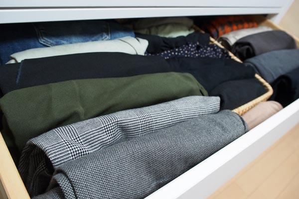 たんすの服を整理